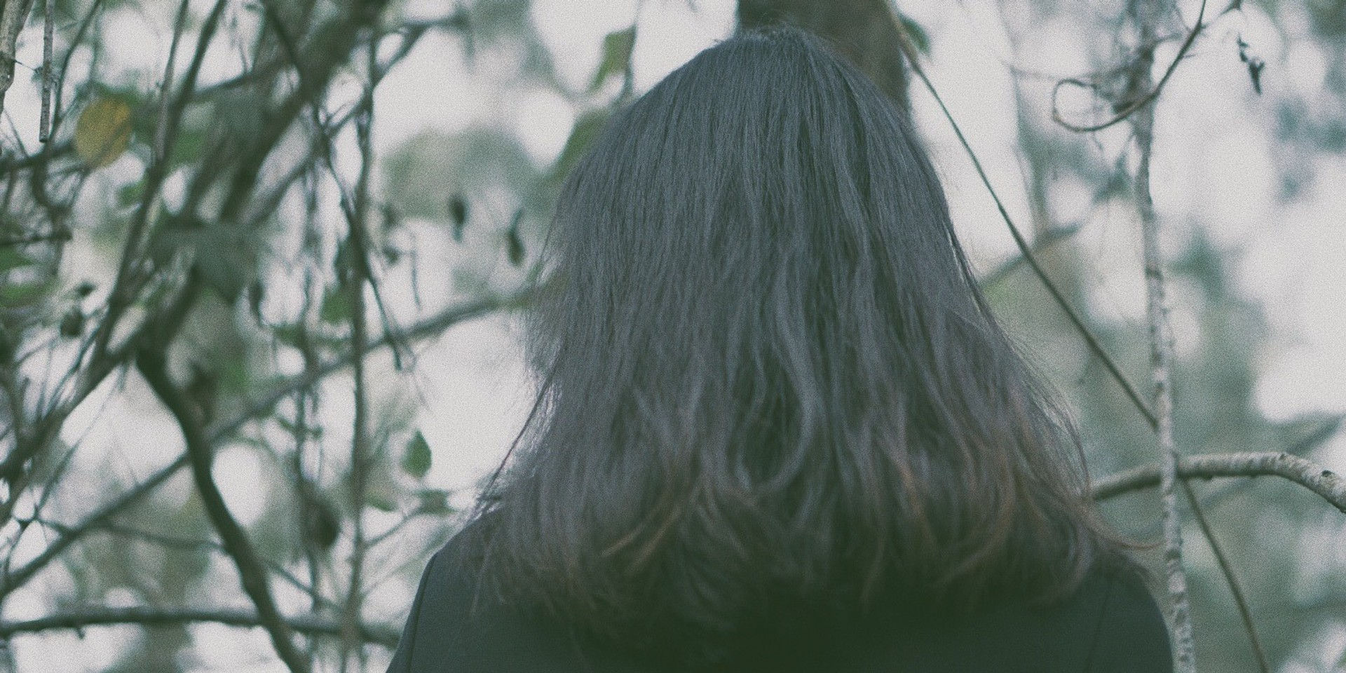 LISTEN: Loneliness washes over Jasmine Sokko on new single 'H2O', co-produced by Yllis