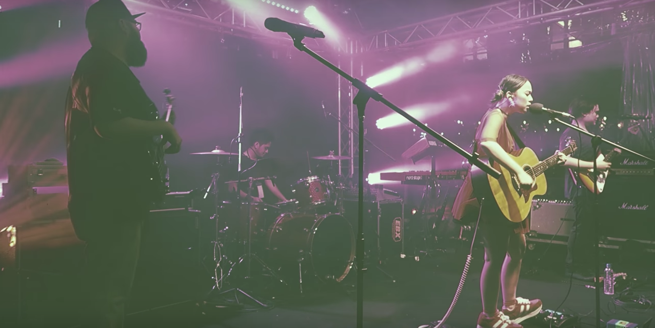Watch Reese Lansangan's adventures in Singapore