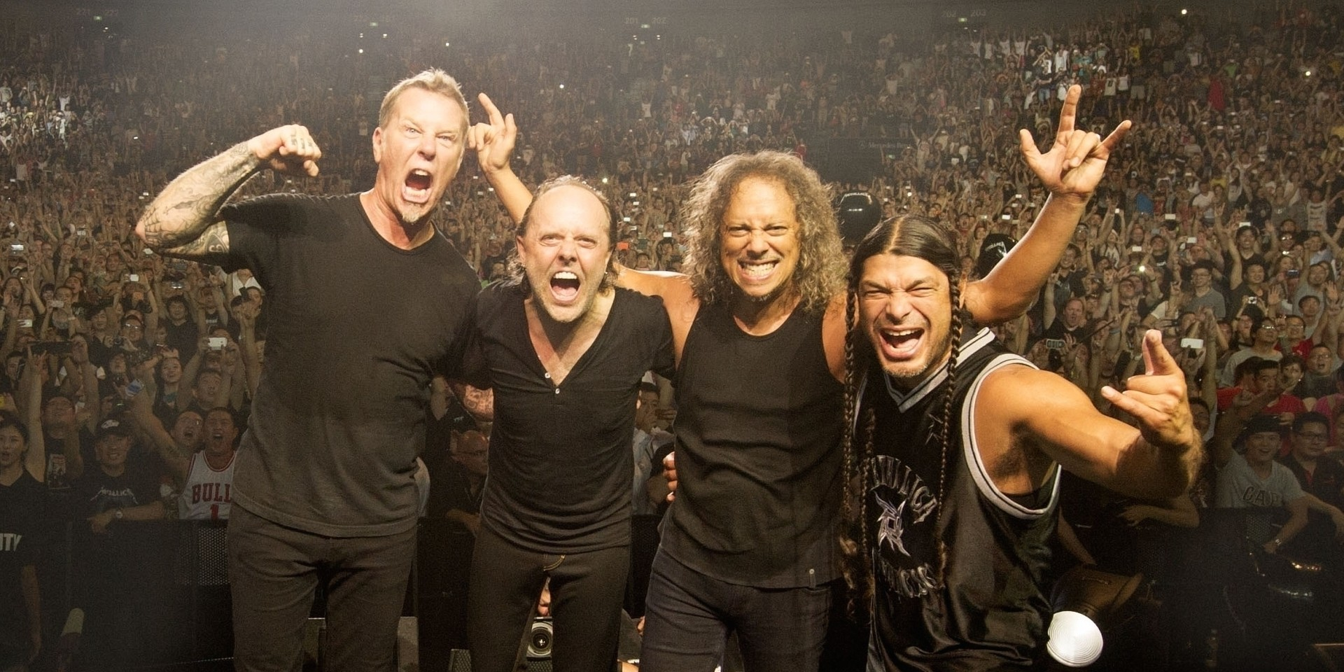 Metallica will begin their 2017 world tour in Asia