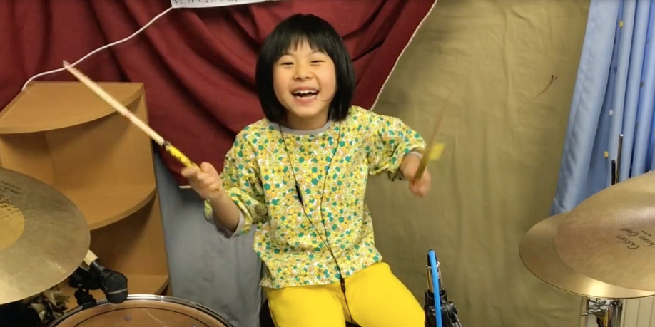 8-year-old girl does a smashing cover of Led Zeppelin's 'Good Times Bad Times' – watch