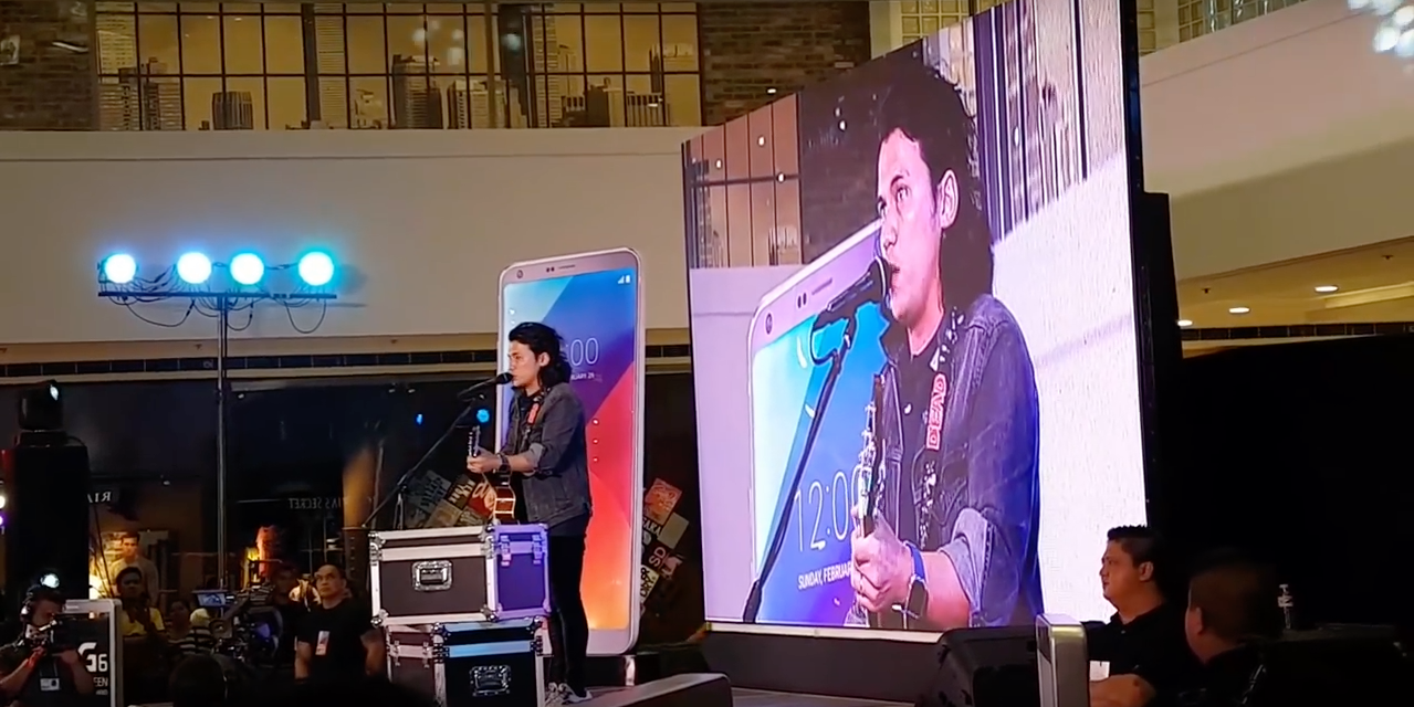 Sponge Cola's Yael Yuzon translates 'Jeepney' to English at mobile phone launch