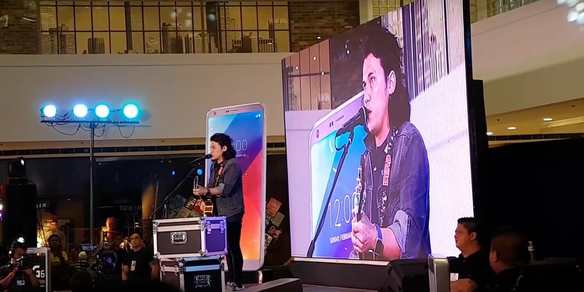 Sponge Cola's Yael Yuzon translates 'Jeepney' to English at mobile phone launch