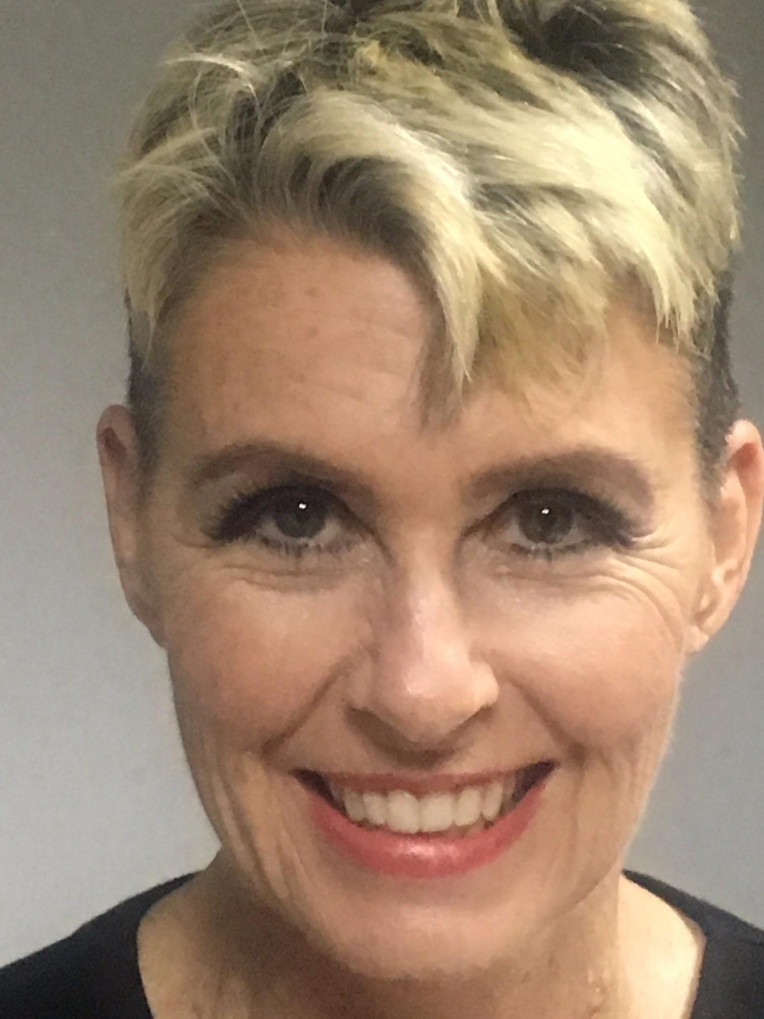 Deborah J Crowe