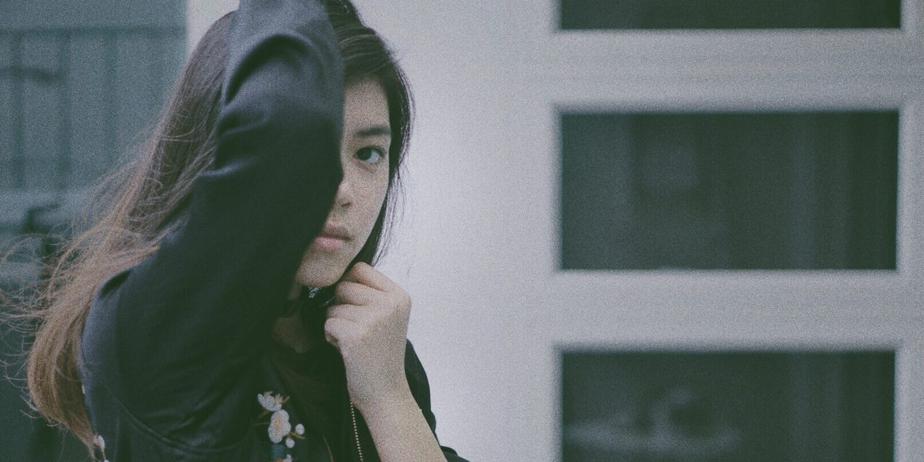WATCH: Electronic pop artist Jasmine Sokko releases splendid debut single '1057'