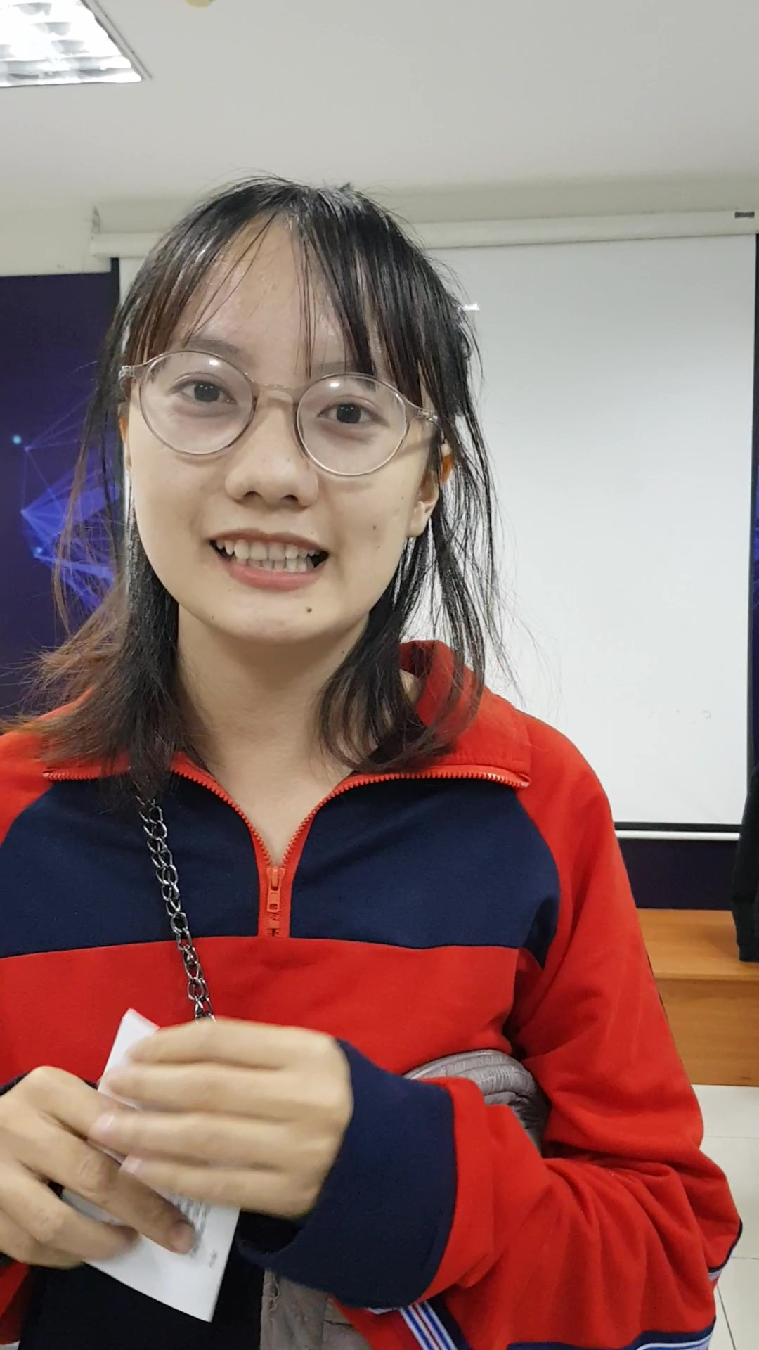 Bạn Linh - nhân viên văn phòng