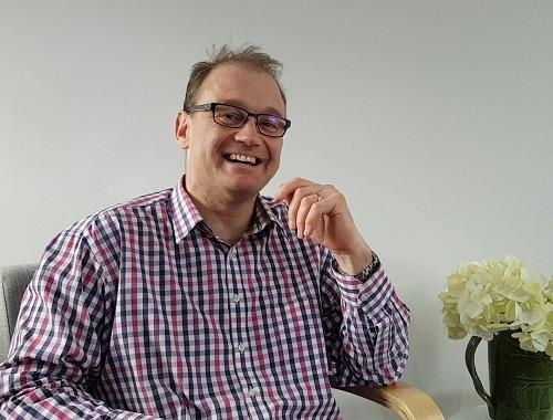 Dr Simon Thornley