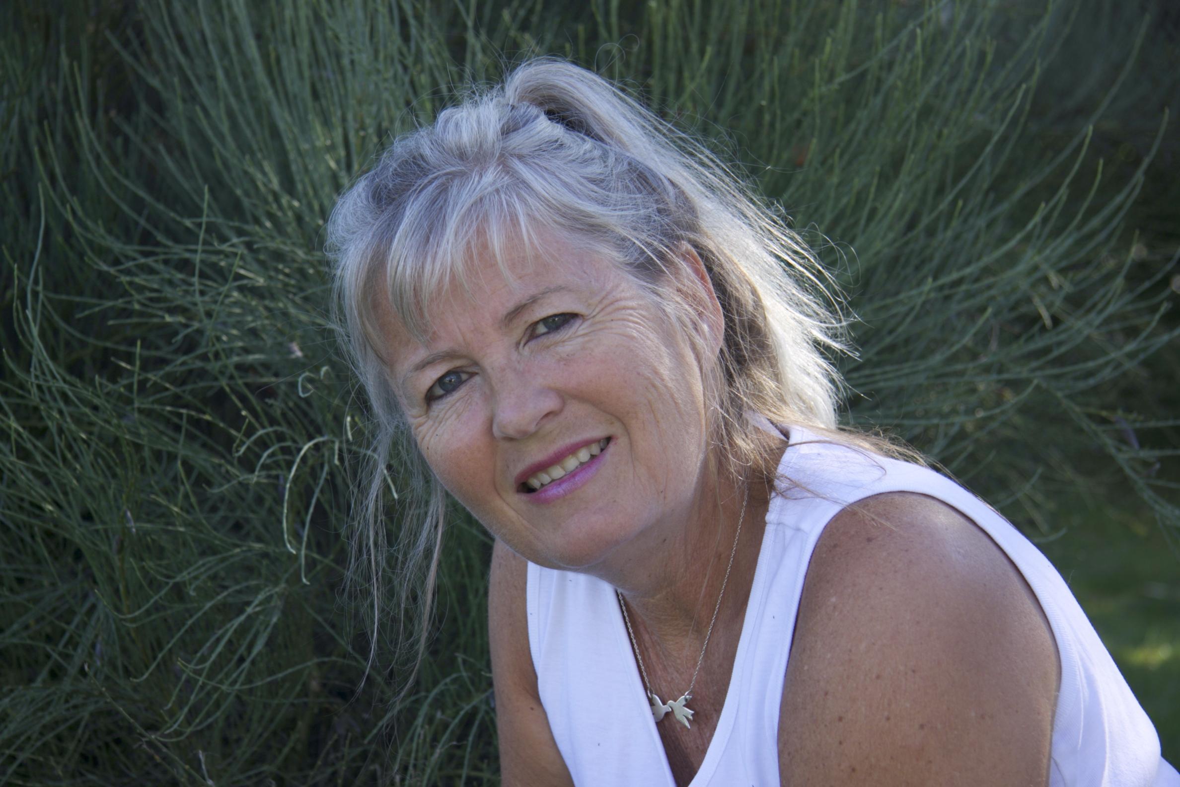 Vivian Birlie, hundezoneterapeut