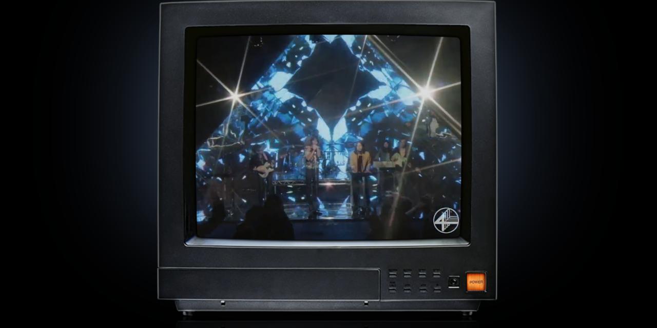 """Phoenix premiere new music video, """"J-Boy"""" — watch"""