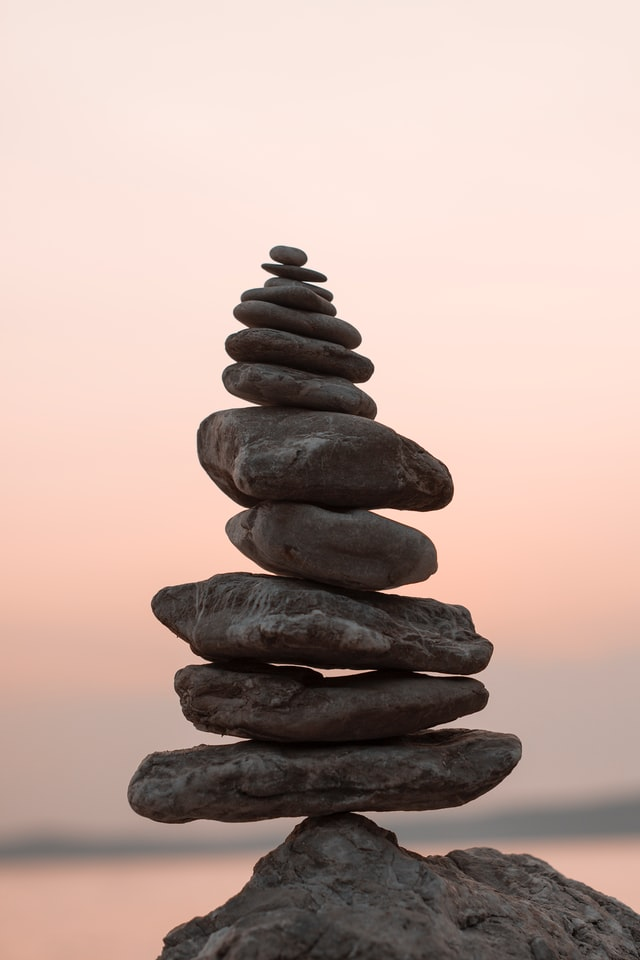 stack of balancing rocks