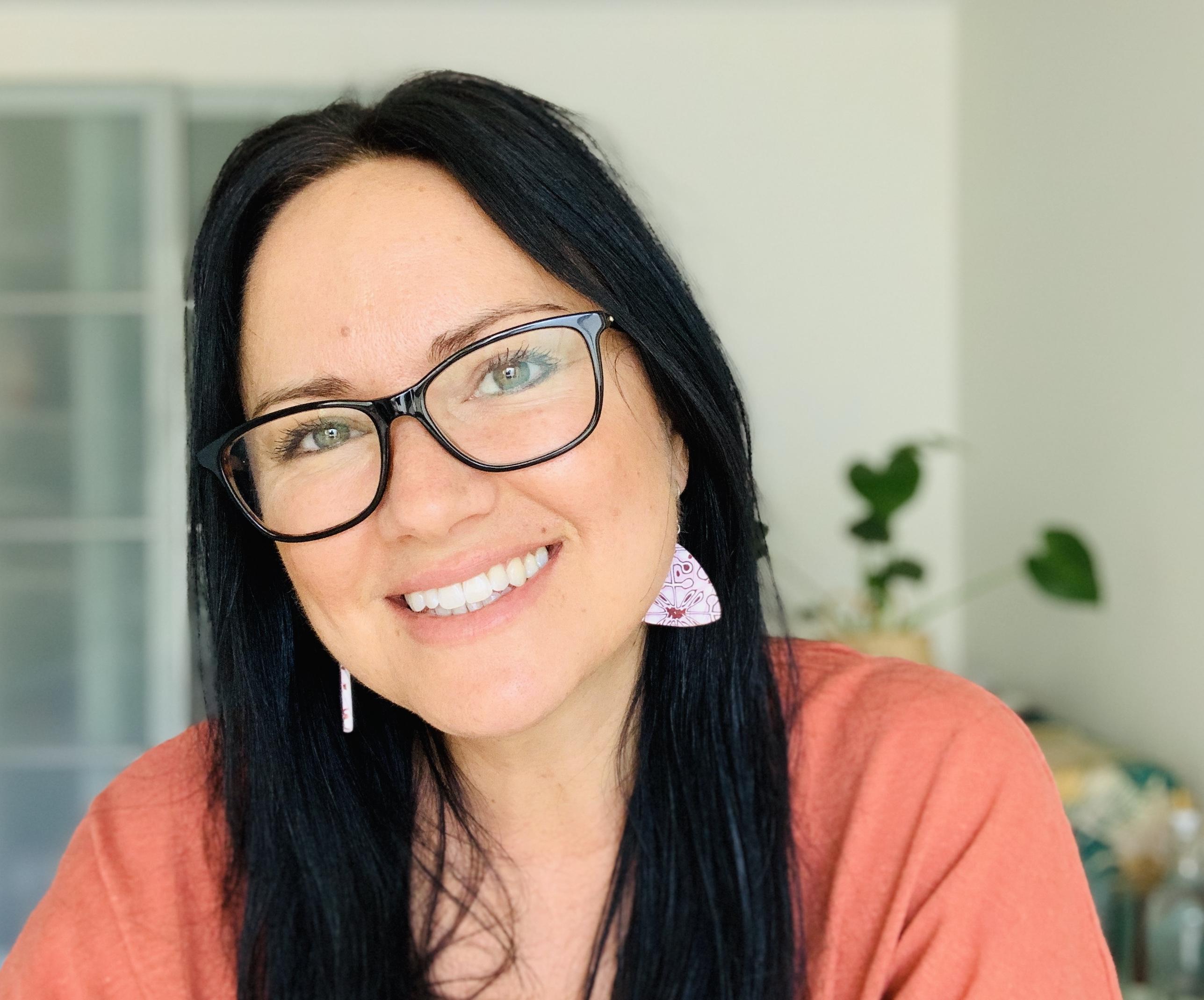 Angela Eksteins