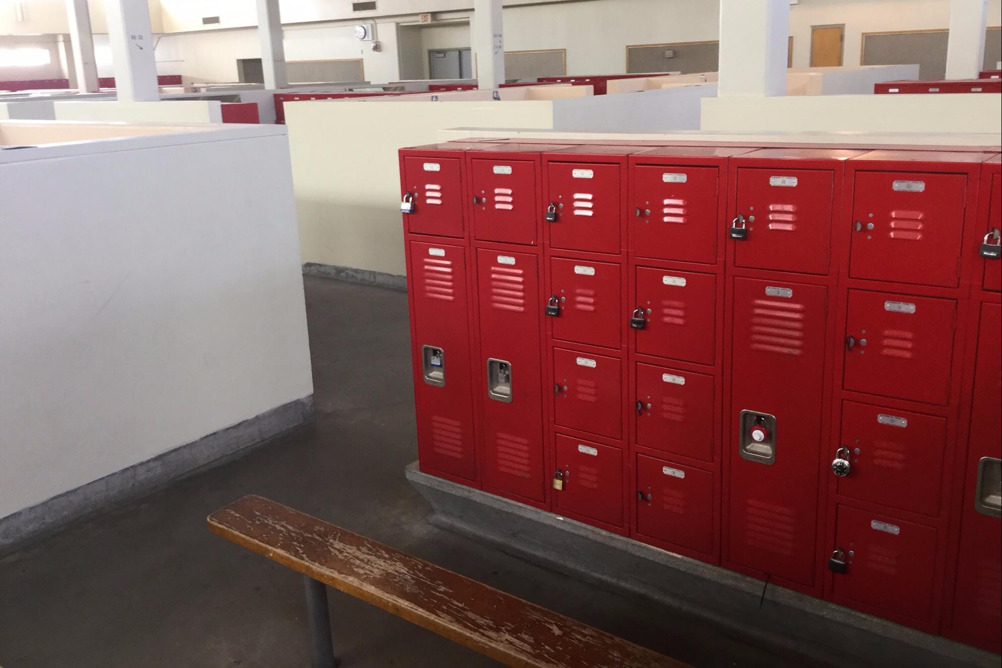 LBUSD Facilities   Lakewood High School   Locker Room - Girls