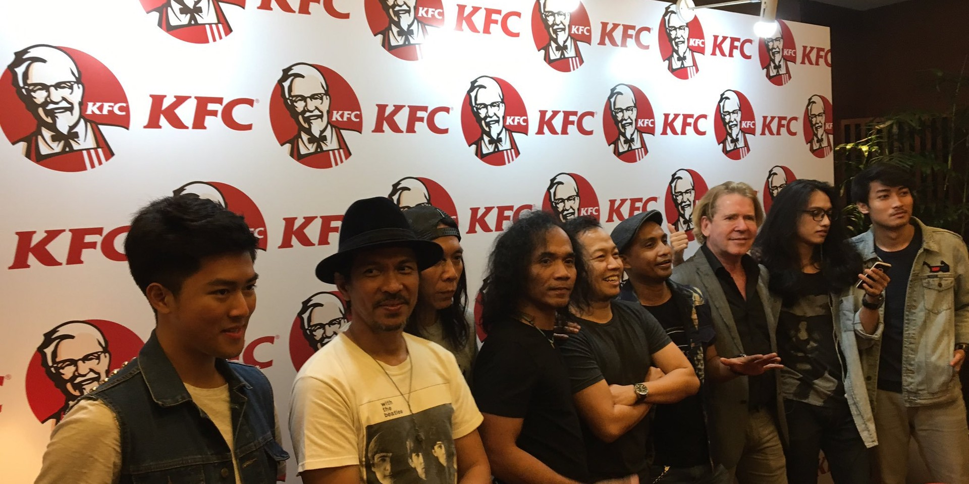 U2 producer Steve Lillywhite now sells CDs in Indonesia through KFCs