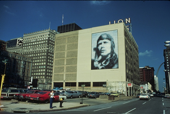RECREATE LINDY SQUARED & OTHER MURALS ON BUILDINGS TO ENCOURAGE PUBLIC ART: $25,000