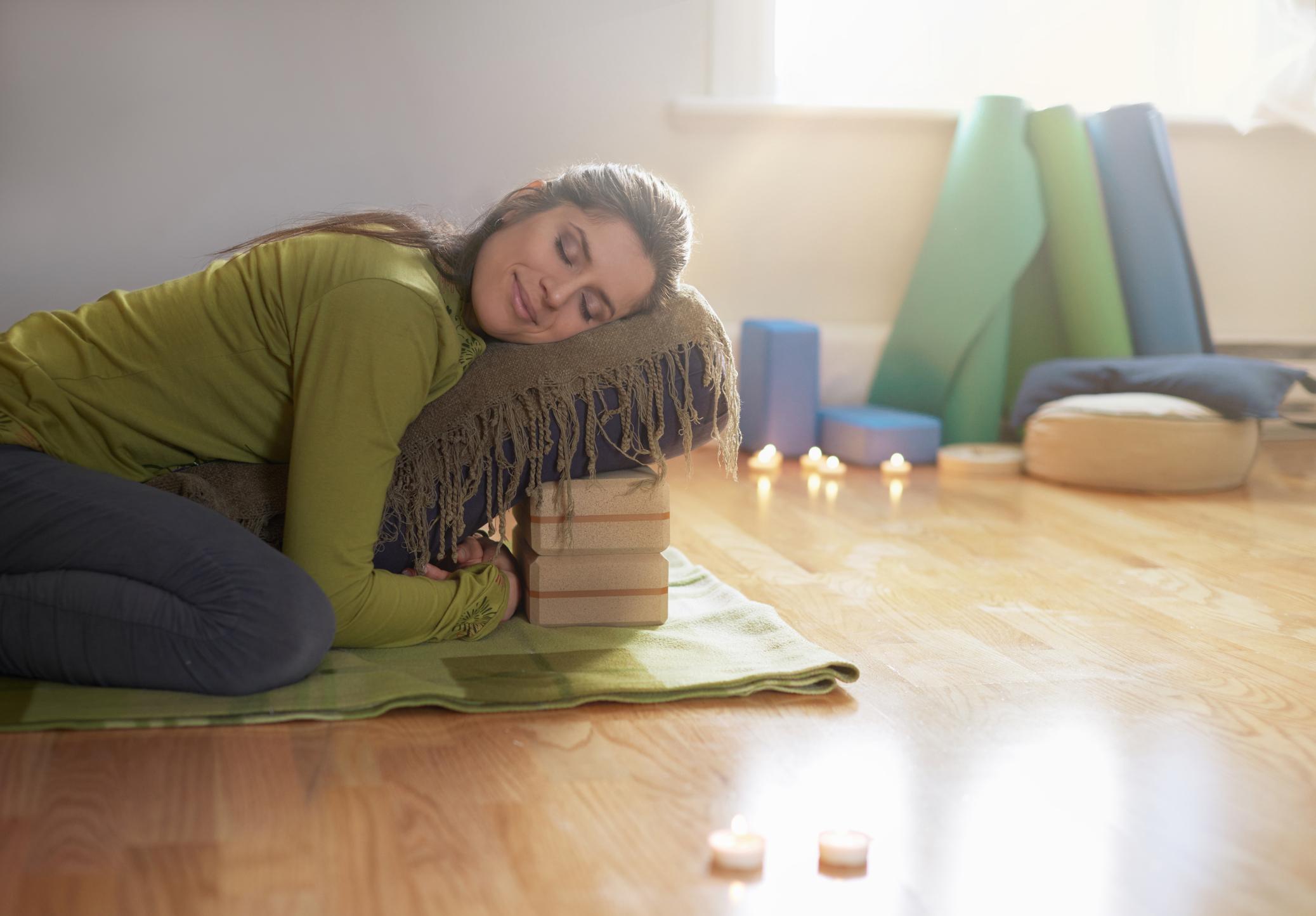 hygge-yoga-and-embracing-comfort-mark-atherton-online-yoga-training