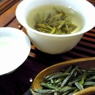 Organic White Down Silver Needle from Grand Tea