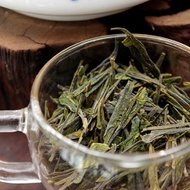 He Family 1st Picking Flat Hand Pressed Laoshan Green from Verdant Tea (Special)
