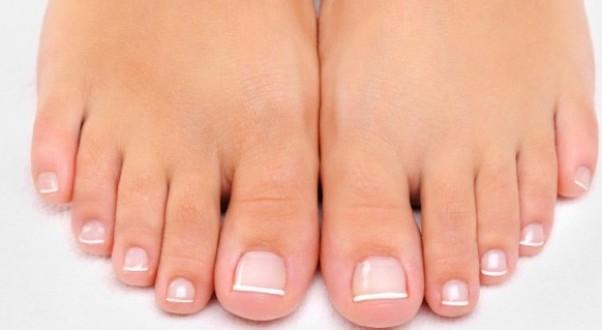 How to treat fungus on a toenail?