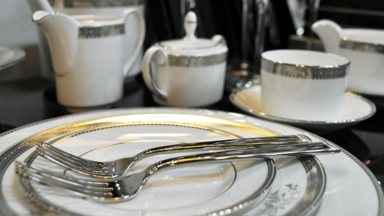 Vera Wang Dinner Set