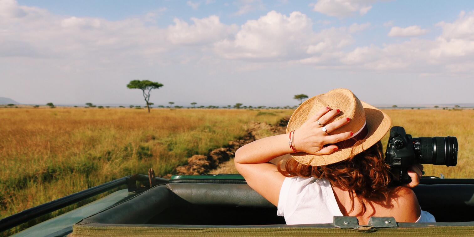 travel-blogger-school