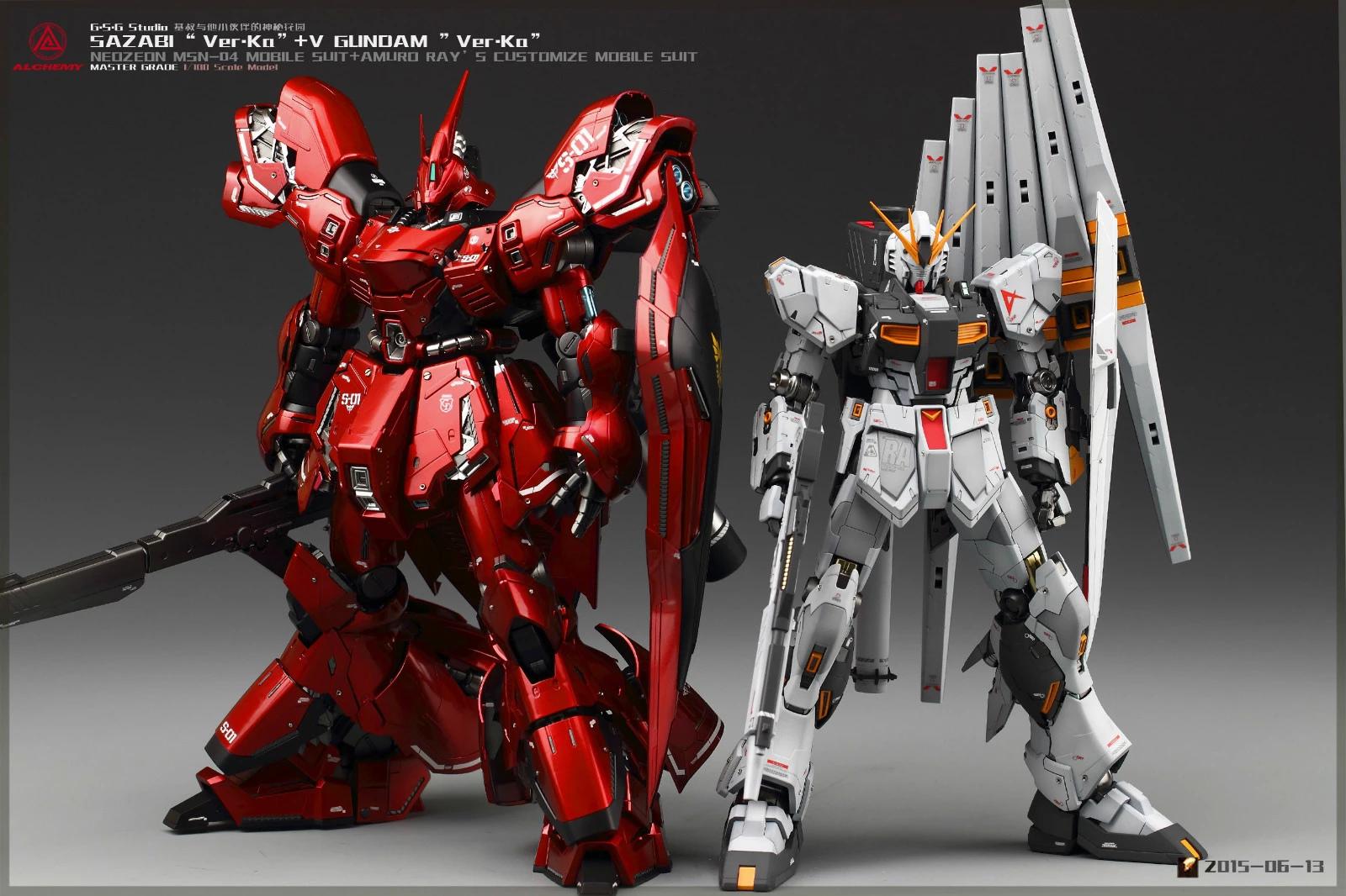 Nu Gundam and Sazabi