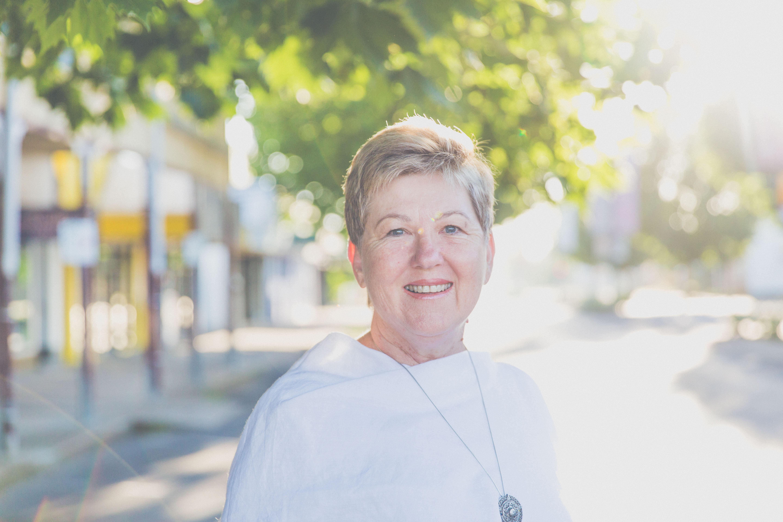 Julie Lewin