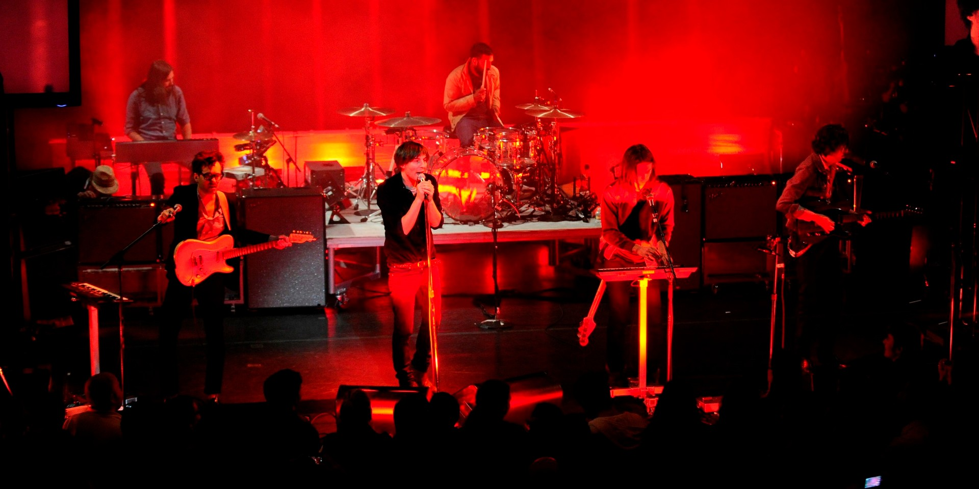 Phoenix previews 2017 tour set list with 3 new songs at first live show since 2014