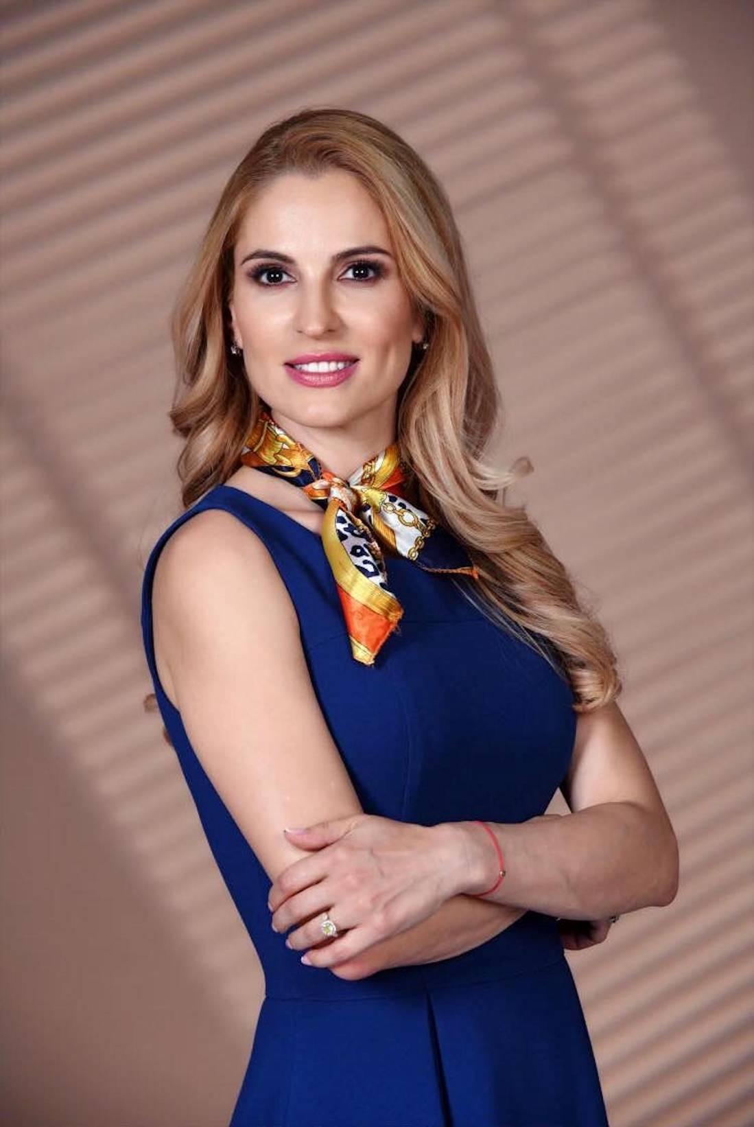 Невена Басарова