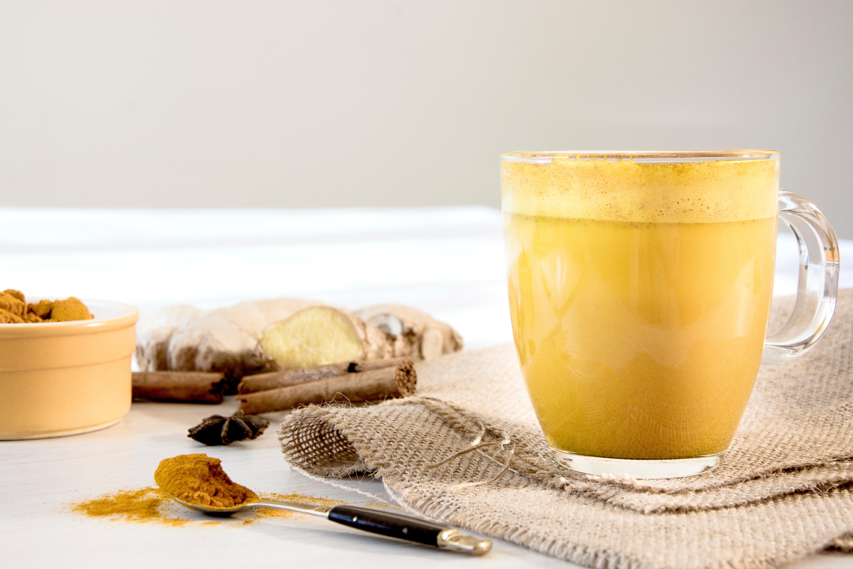 Detoxifying cinnamon ginger tea