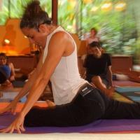 Pavones Yoga