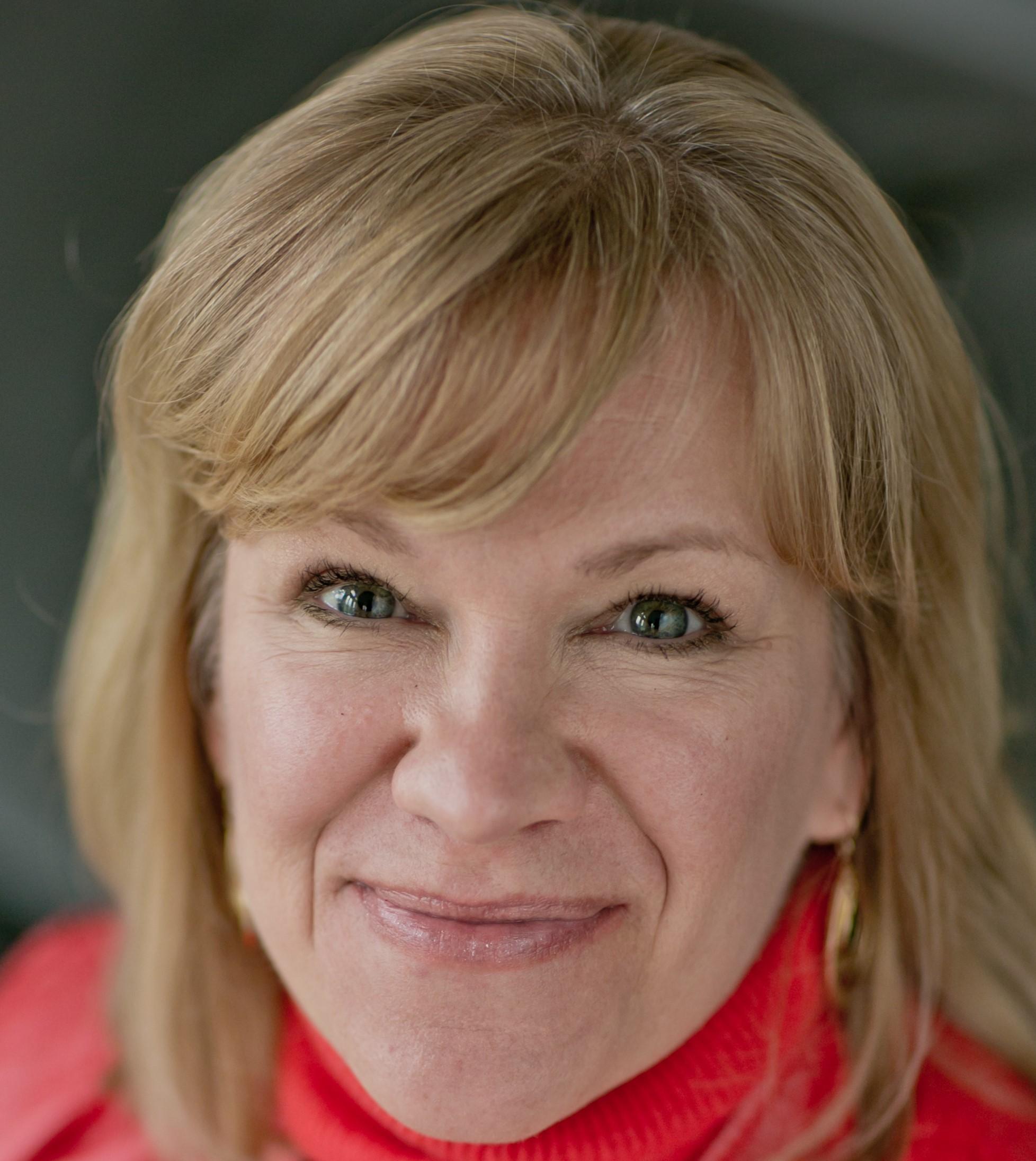 Natalie Lowe CMM