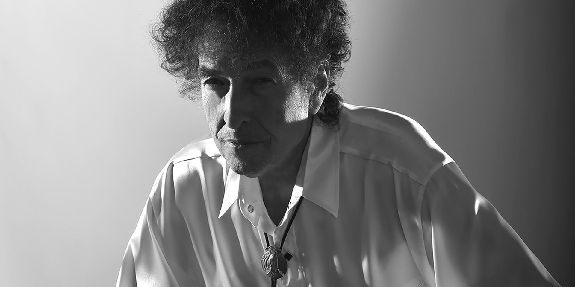 Bob Dylan keeps his grave clean – gig report