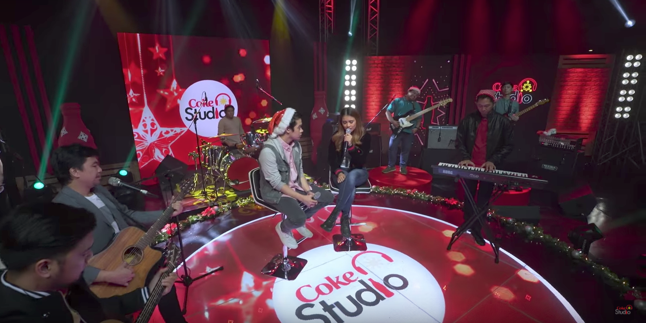 Watch Sandwich, Autotelic, Jensen and the Flips, and more perform Christmas carols