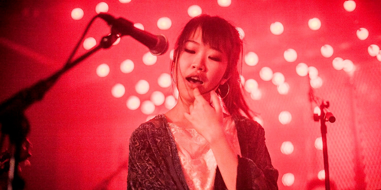 PHOTO GALLERY: London loves Linying