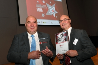 Quality Director, Steve Roberts and Sales Director, Ian Perks lift their Made in the Midlands award