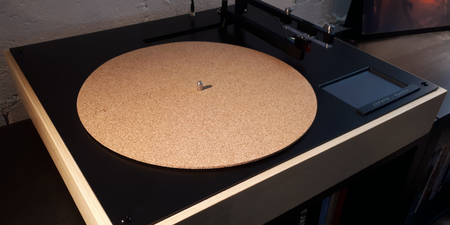 Vinylicious Music launches crowdfunding campaign to produce new turntable, the Zephyr Apollo