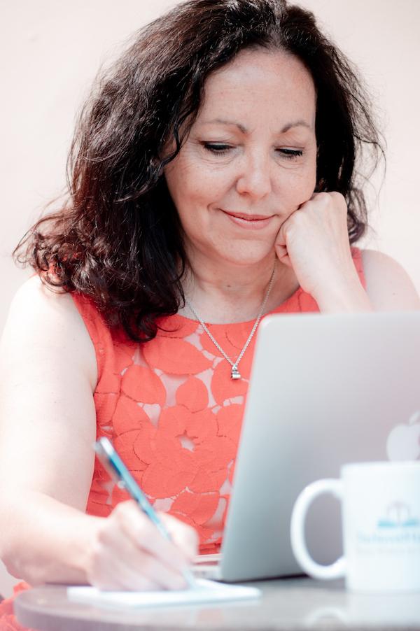 Anita Belli