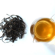 Yiwu Shan Ancient Tree Raw Pu-er from Lost Tea
