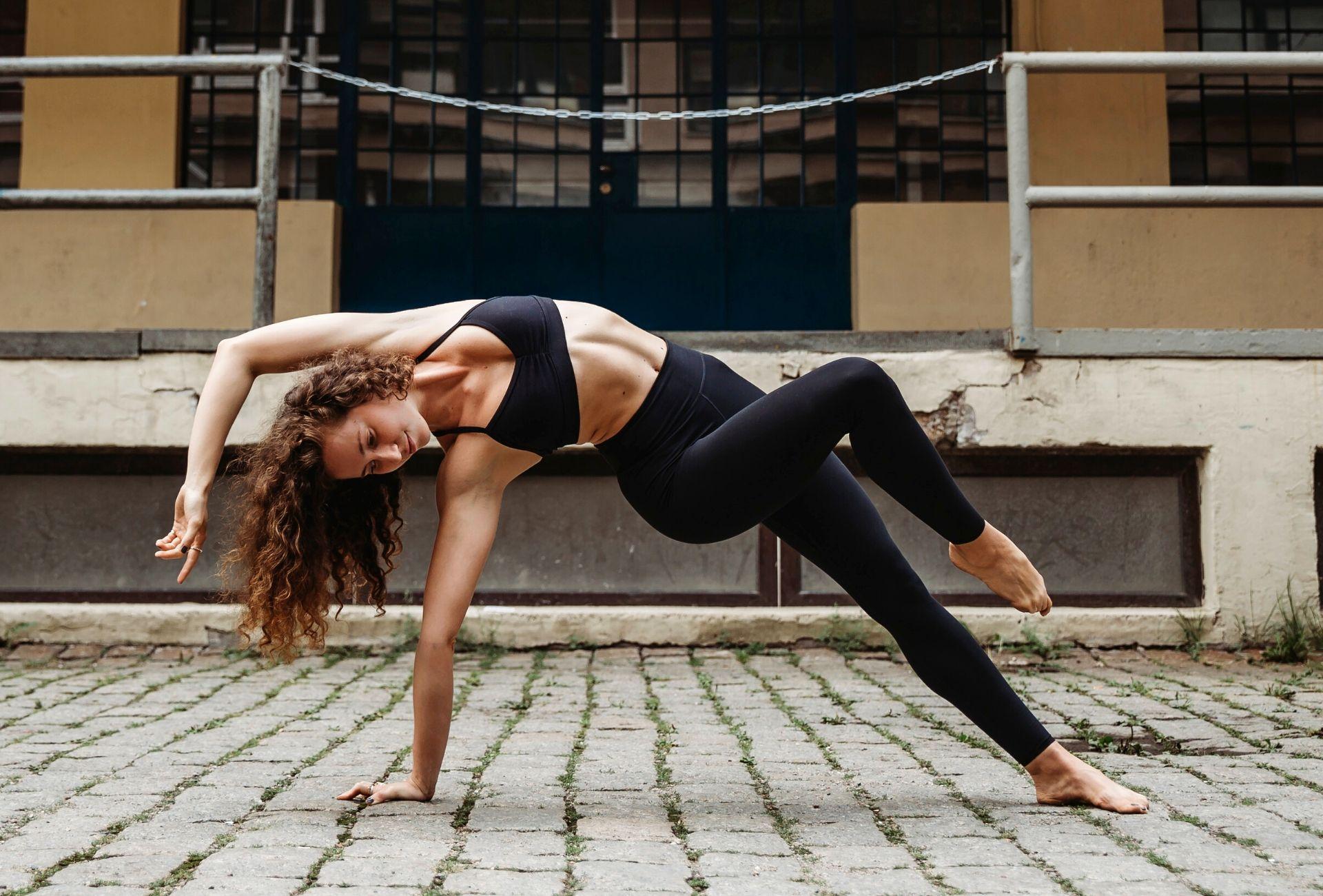 Karin Dimotrovava Core Strength Fitness App