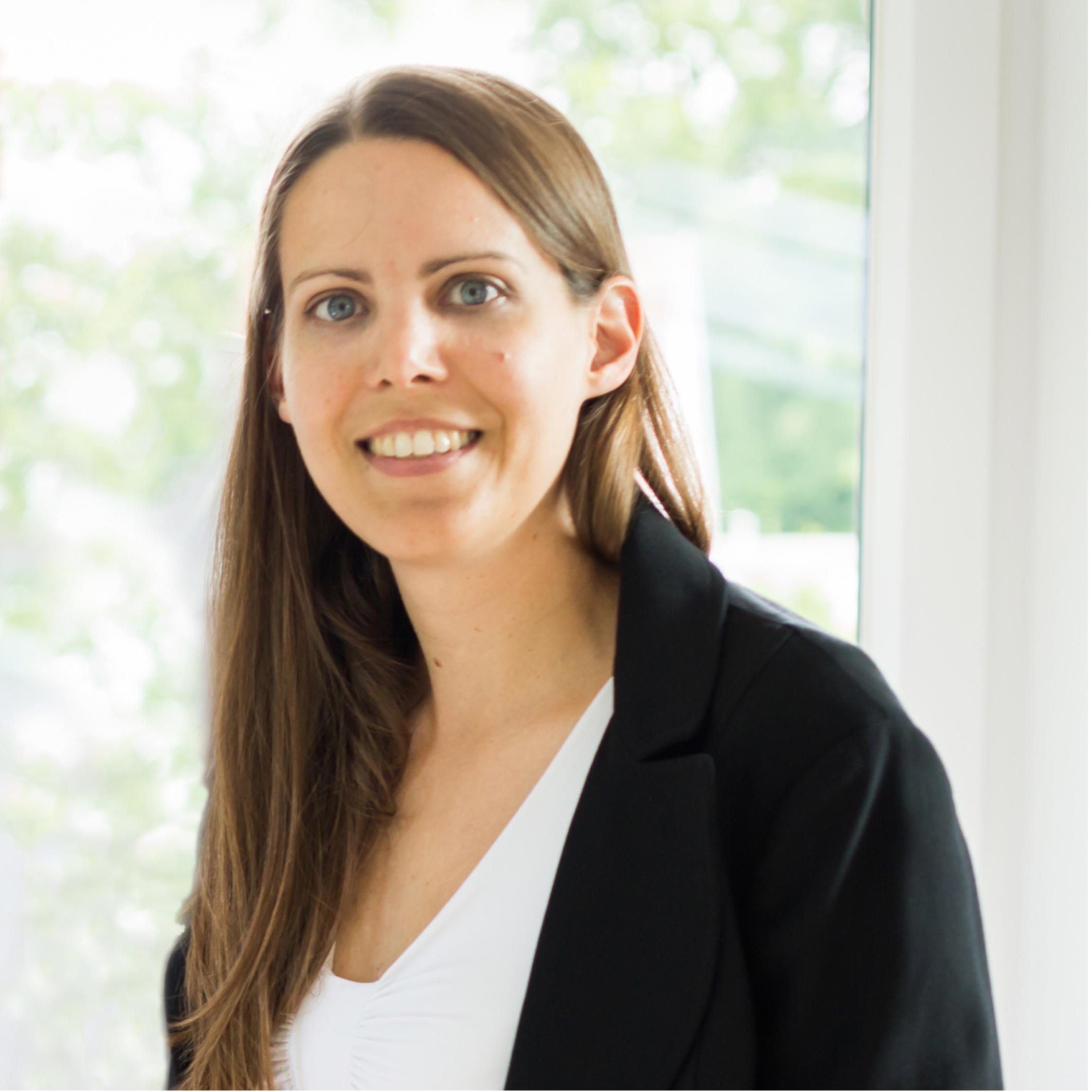 Dr. Nadine Sinclair