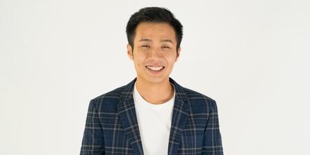 本地歌手陈伟联宣布罕有演唱会   明年1月开唱