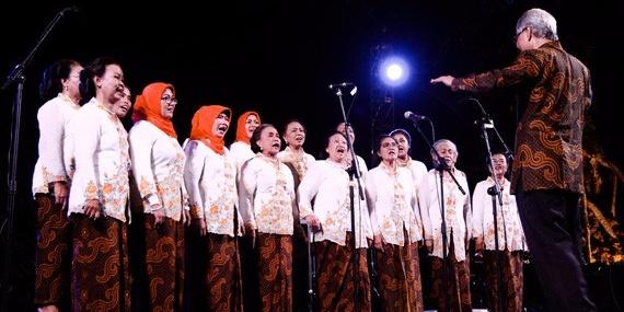 Indonesian choir Dialita releases a harrowing LP of songs written in prisons