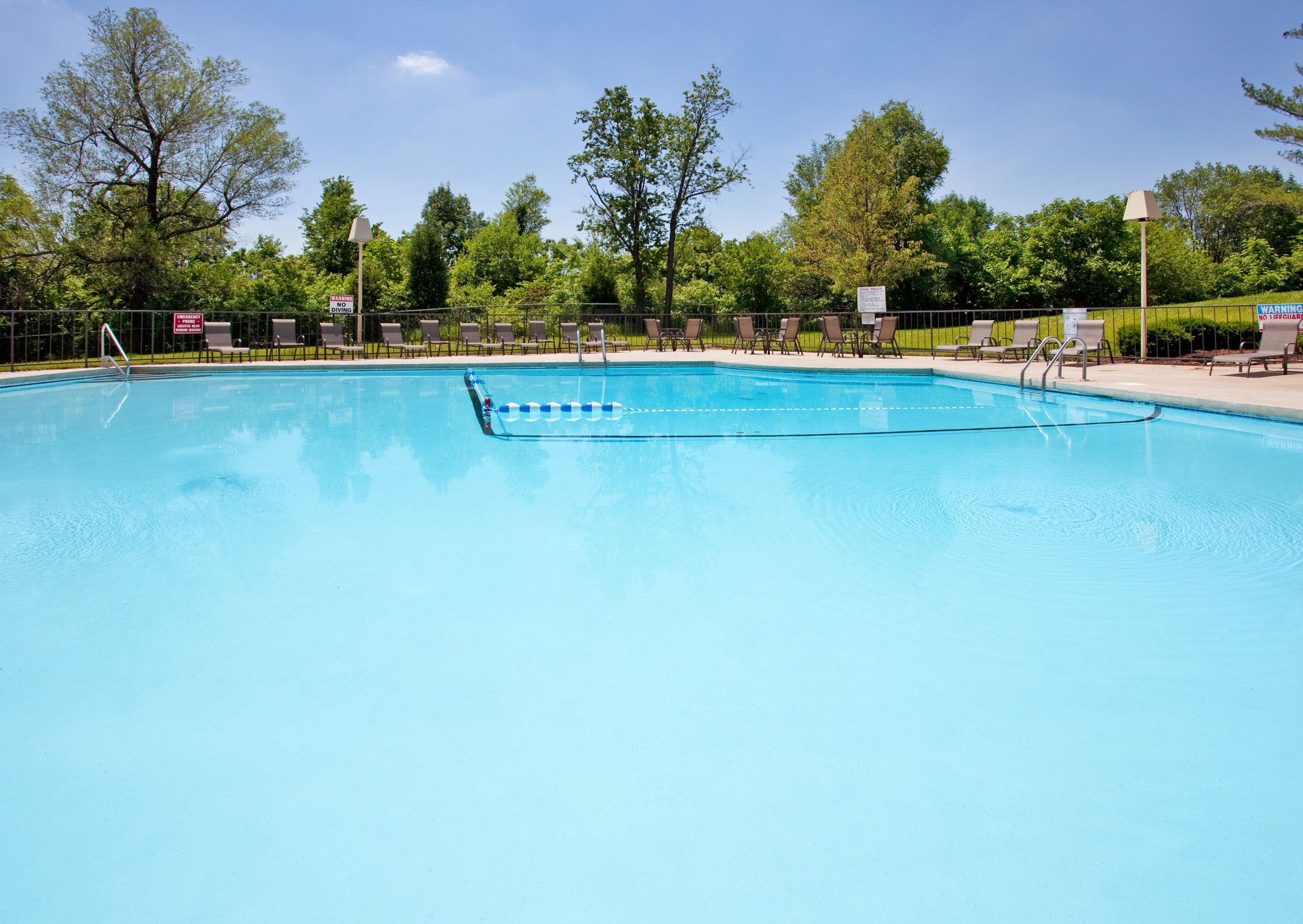 Outdoor Swi Swimming Pool Venue For Rent In Kansas City