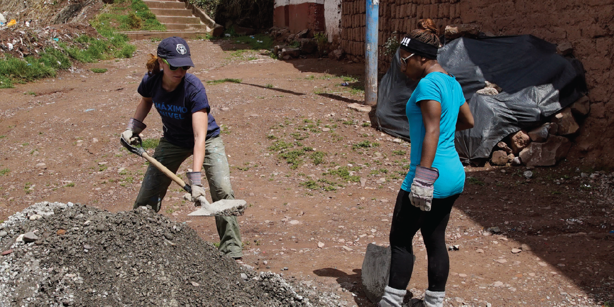 Volunteer Abroad On Construction In Peru