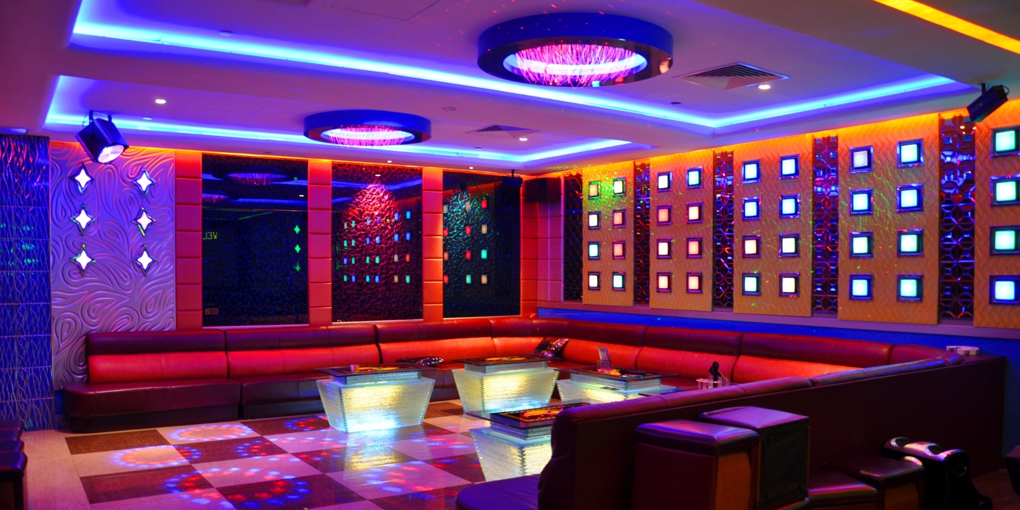 Karaoke in Singapore: the coolest KTV places worth visiting |