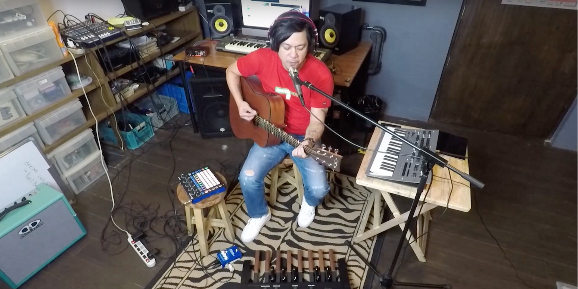 Watch Raymund Marasigan's acoustic take on the Eraserheads classic, 'Fruitcake'