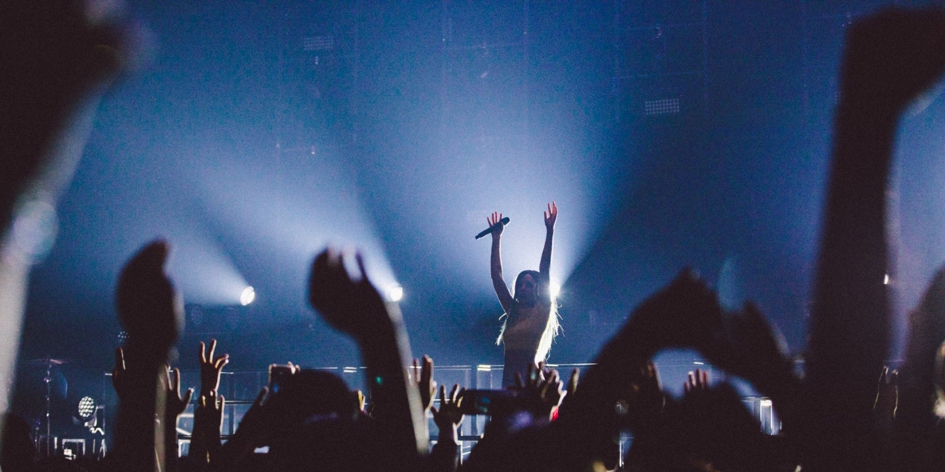 Halsey stuns at her first headlining show in Singapore - gig report