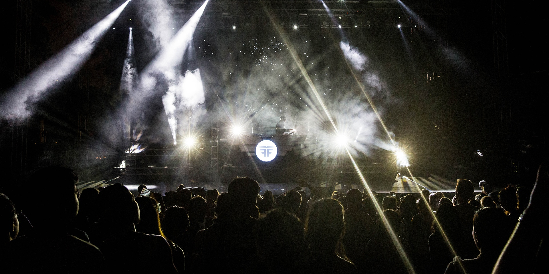 PHOTO GALLERY: Neon Lights Festival 2015