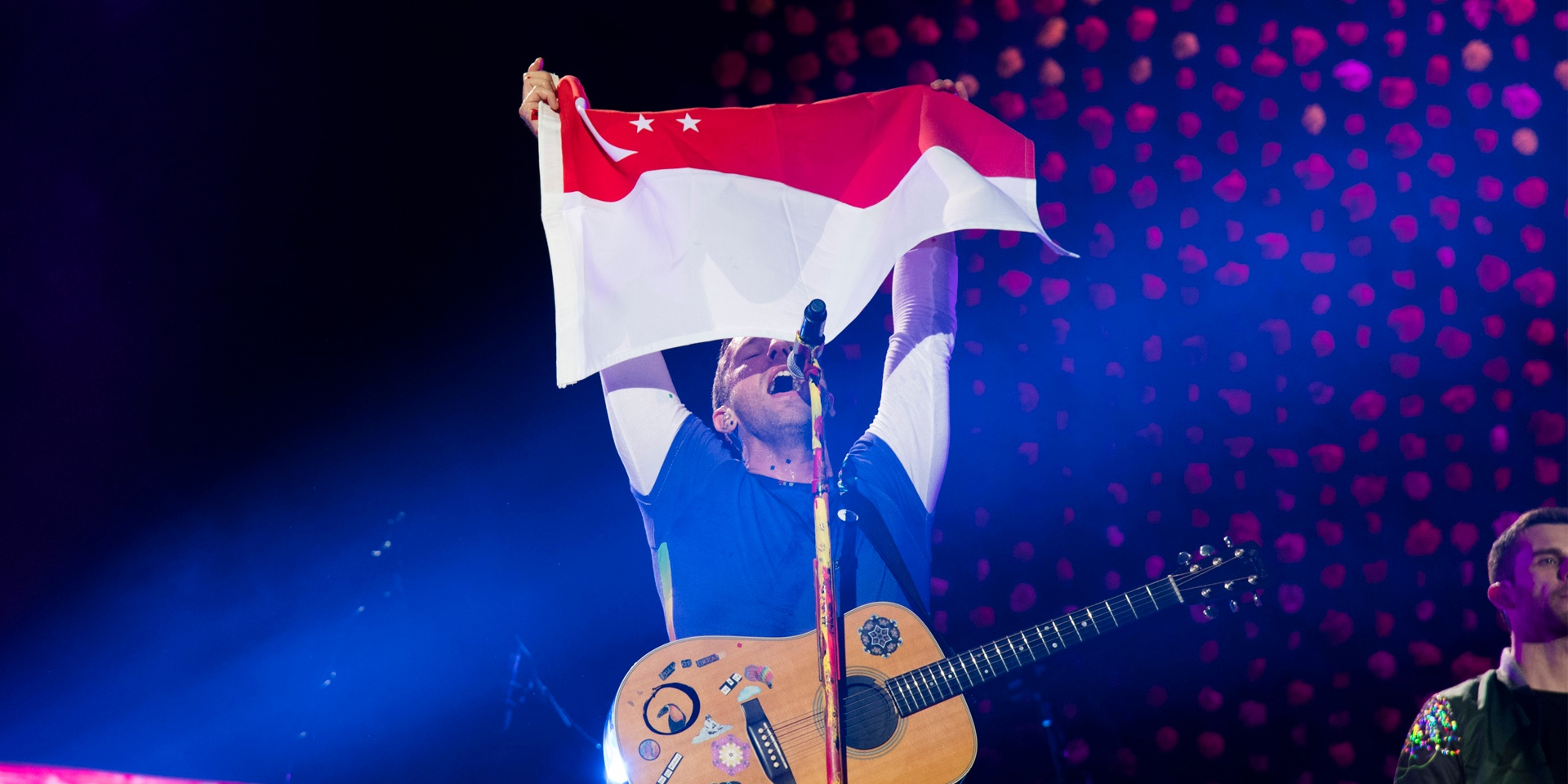 GIG REPORT: Coldplay performs stellar first night in Singapore with over 50,000 in attendance