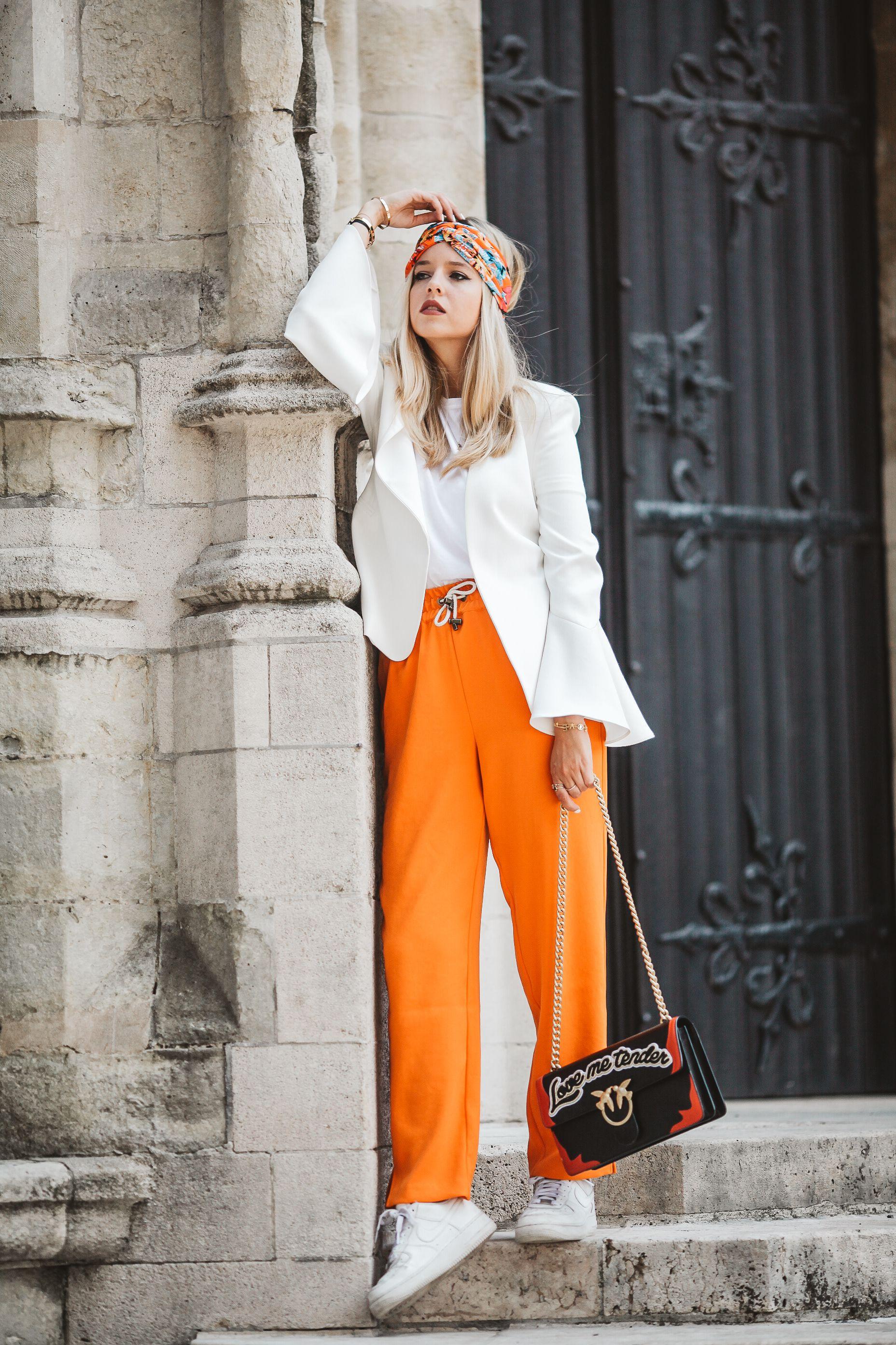 Business et couleur orange