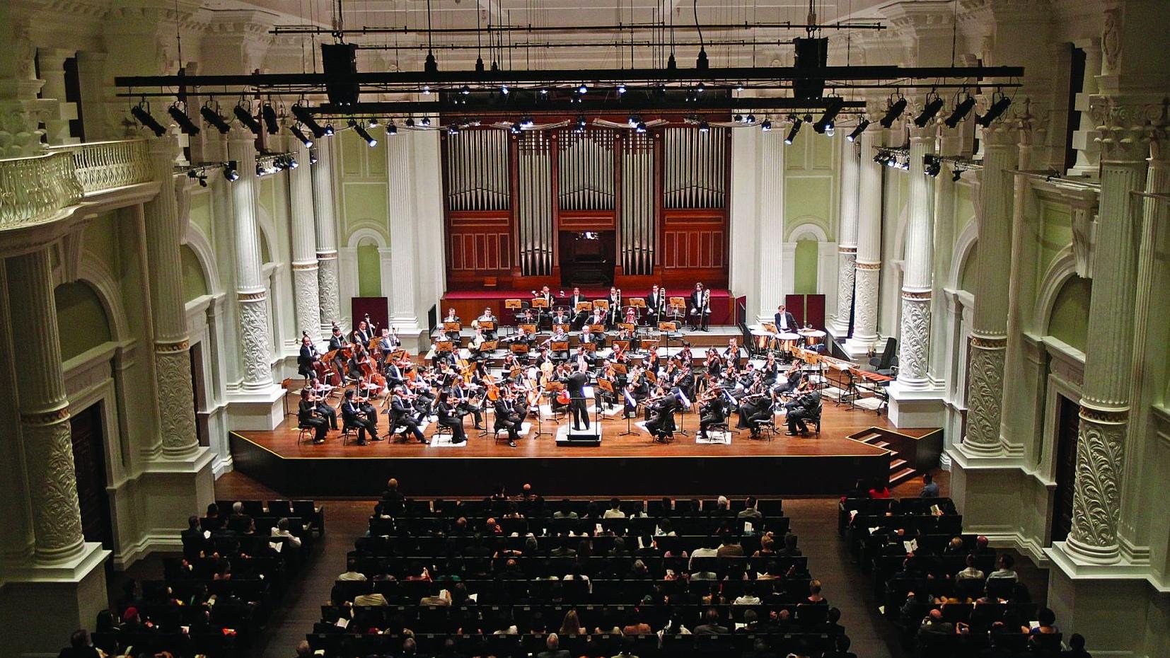 Victoria Concert Hall Klais Organ by Dr Margaret Chen